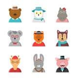 Avatars animais Os animais bonitos do moderno fox a coruja do girafa do cão do urso na roupa engraçada e os acessórios vector car ilustração do vetor