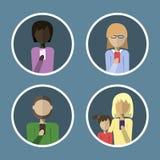 Avatars av folk som kallar på telefonen i en plan stil Royaltyfri Foto