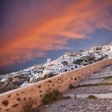 Solnedgång i Oia Santorini royaltyfri bild