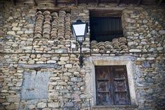 Avbilda av ett hus i Puebla de Roda, Spanien Royaltyfria Foton