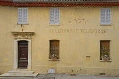 Gammalt posta - kontoret Mougins Arkivbild