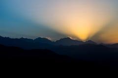 Avbrott av gryning på Annapurna det Himalayan området, Nepal Arkivbilder