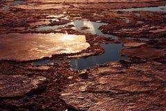 Avbrott av isen på floden Royaltyfri Fotografi
