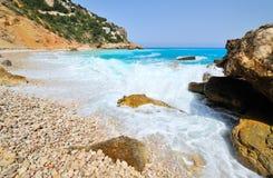 avbrott av seashorewaven arkivbild