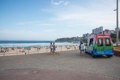 Avbrott för Bondi strandglass royaltyfri fotografi