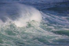 Avbrott för våg för havsbränning stort Royaltyfri Foto