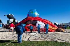 Avbrott ner av ballongen för varm luft Fotografering för Bildbyråer