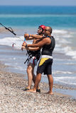 AVDIMOU, CYPRUS/UK - LIPIEC 25: Uczyć się kani kipiel w Avidmou fotografia royalty free