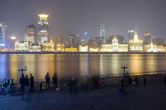 ave binjiang晚上视图 免版税库存照片
