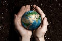 Avec l'amour et le soin à notre planète Images stock