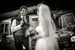 Avec le `de robe de mariage photographie stock