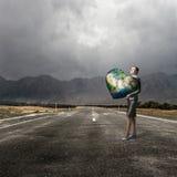 Avec le soin et amour à notre planète Photographie stock libre de droits
