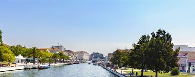 Aveiro/Portugal 13 Augustus, 2017: Hoofd het kanaalwi van Ria de Aveiro royalty-vrije stock foto