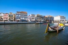 Aveiro Portugal - 22 Maj, 2015: Traditionella fartyg i Aveiro Royaltyfri Fotografi