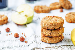 A avelã da banana de maçã do trigo mourisco data cookies do vegetariano imagens de stock royalty free