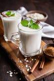 Avena Colombiana - bebida tradicional de la harina de avena imagen de archivo