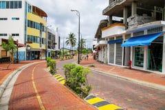 Avenida查尔斯・达尔文在圣克鲁斯岛的, Gal Puerto阿约鲁 库存照片