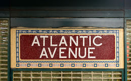 Avenida atlántica, estación del centro de Barclays - subterráneo de NYC foto de archivo