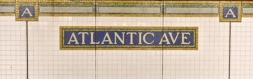 Avenida atlántica, estación del centro de Barclays - subterráneo de NYC fotos de archivo libres de regalías