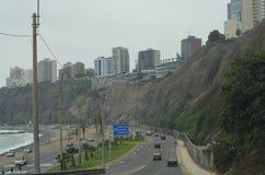 Avenida Costa Verde, zieleni brzegowa aleja, Miraflores, Lima, Perú Zdjęcie Stock