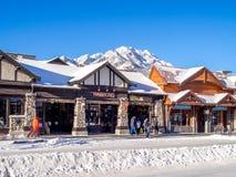 Avenida de Banff en invierno Fotos de archivo libres de regalías