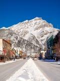 Avenida de Banff en invierno Fotografía de archivo