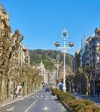 Avenida de la Libertad Avenue在圣塞瓦斯蒂安 巴斯克地区, Guipuzcoa 西班牙 库存照片