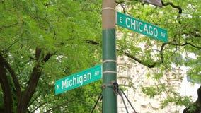 Avenida de Michigan de la esquina de la avenida de Chicago almacen de metraje de vídeo