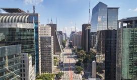 Avenida de Avenida Paulista Paulista, cidade de Sao Paulo, Brasil imagens de stock royalty free
