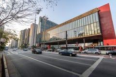 Avenida de Paulista e Sao Paulo Museum de MASP da arte - Sao Paulo, Brasil imagem de stock