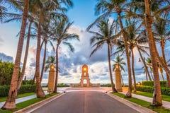 Avenida do valor, Palm Beach, Florida fotografia de stock royalty free