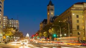 Avenida en la noche, Washington DC, los E.E.U.U. de Pennsylvania almacen de video