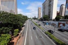 Avenida en Sao Paulo, el Brasil Foto de archivo libre de regalías