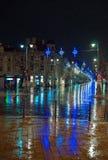 Avenida iluminada de Gediminas con la decoración de la Navidad Imagen de archivo libre de regalías