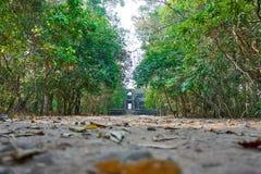 Avenida no templo antigo Angkor complexo Wat Siem Reap, Camboja imagem de stock