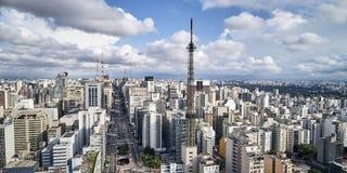 Avenida Paulista στην πόλη του Σάο Πάολο, Βραζιλία στοκ εικόνα