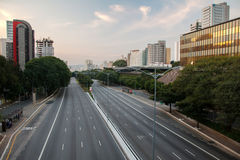 Avenida vacía de São Pablo Foto de archivo libre de regalías