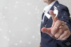 Avenir de concept financier d'affaires, homme d'affaires touchant le graphique croissant avec des symboles de finances images stock