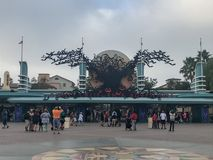 Aventura de Disneyland's California en Halloween fotos de archivo
