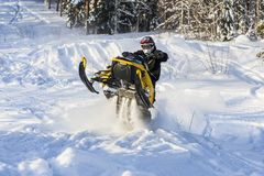 Aventura de la moto de nieve Fotos de archivo