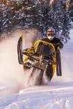 Aventura de la moto de nieve Fotos de archivo libres de regalías
