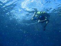 Aventura del buceo con escafandra Fotos de archivo libres de regalías