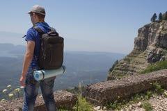 Aventura del viaje y caminar la forma de vida de la actividad, activa y sana en viaje de las vacaciones y de fin de semana de ver Imagen de archivo libre de regalías