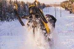 Aventura do carro de neve Imagens de Stock