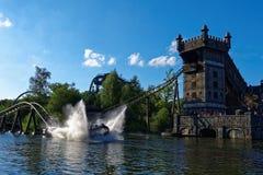 Aventura do respingo do passeio da pousa-copos da água na torre do castelo Imagens de Stock Royalty Free
