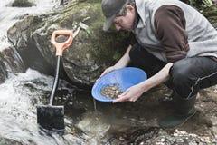 Aventuras en el río Toma panorámica del oro imagen de archivo libre de regalías