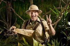 Aventurier réussi dans la jungle image libre de droits