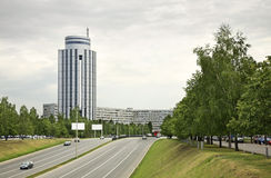Avenue de Tufan Hassan dans Naberezhnye Chelny Russie Photos libres de droits