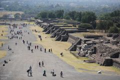 Avenue of the Dead at Teotihuacan ancient pre-Columbian site, Mexico Royalty Free Stock Photos