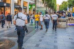 Avenue des Champs Elysees αστυνομία Στοκ φωτογραφία με δικαίωμα ελεύθερης χρήσης